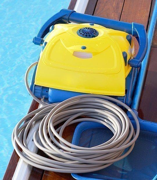 Limpia fondos para piscinas eléctricos