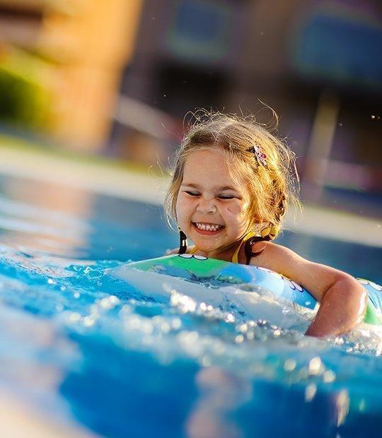 Equipos para mejorar la calidad del agua de tu piscina